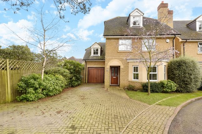 Thumbnail Detached house to rent in London Road, Englefield Green, Egham