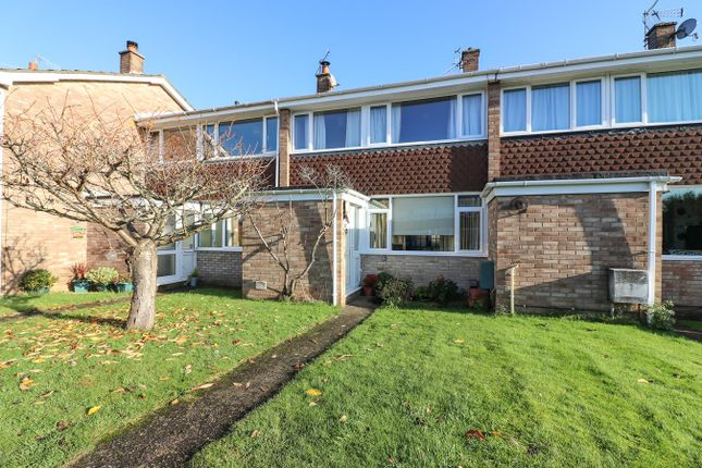 Thumbnail Terraced house for sale in Combeside, Backwell