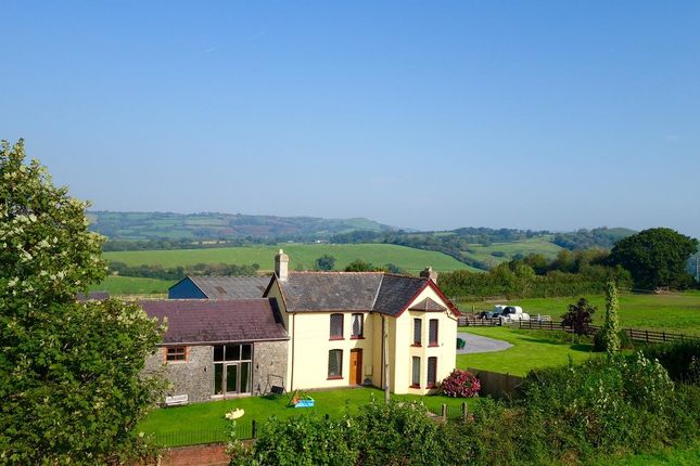 Thumbnail Country house for sale in Manordeilo, Llandeilo