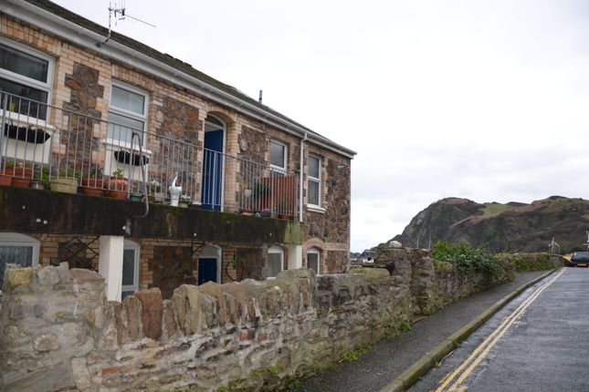 2 bed flat to rent in Parliament Court, Ilfracombe