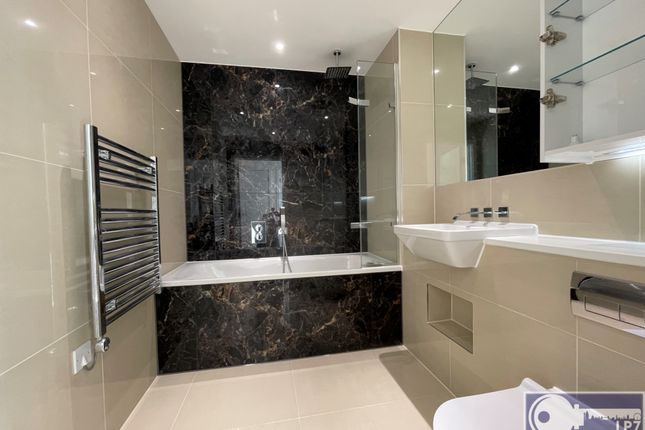 2 bed flat for sale in Saffron Central Square / Wellesley Road, Croydon CR0