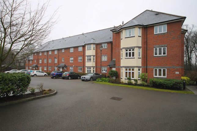 Thumbnail Flat to rent in Loriners Grove, Walsall