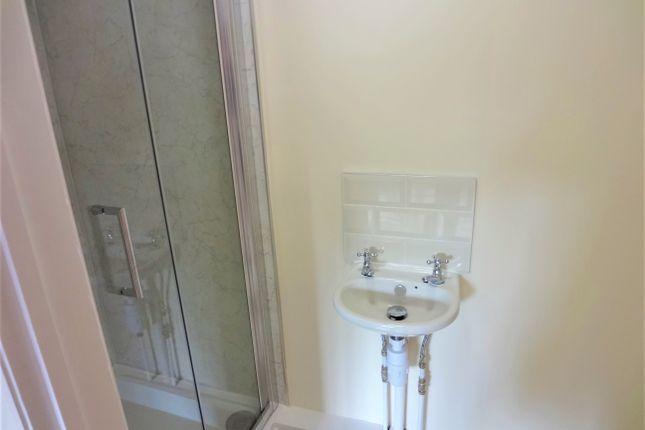 Refitted En-Suite Shower Room: