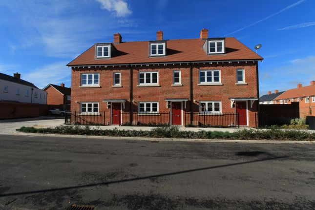 Thumbnail Town house to rent in Rosemary Lane, Waterlooville