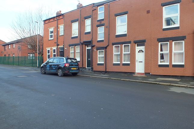 Thumbnail Terraced house to rent in Glencoe View, Leeds, West Yorkshire