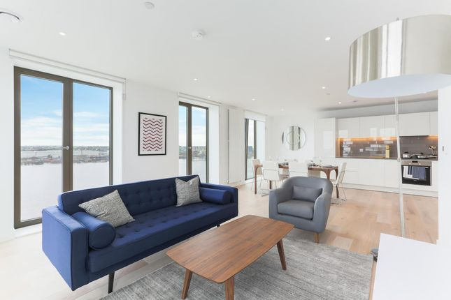 Thumbnail Flat for sale in Marco Polo, Royal Wharf, London