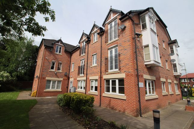 Thumbnail Flat to rent in Stockport Road, Cheadle