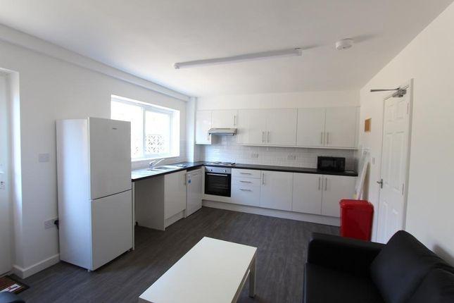 Thumbnail Flat to rent in Lorrimore Road (Available September 2018), Kennington