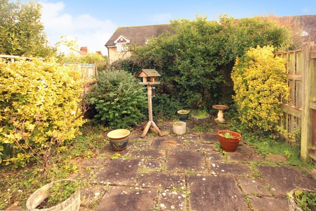 Picture No. 12 of Jacobs Close, Witney, Oxon OX28