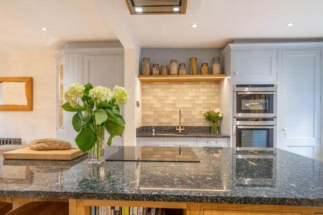 Kitchen of Sandside, Sandside LA7