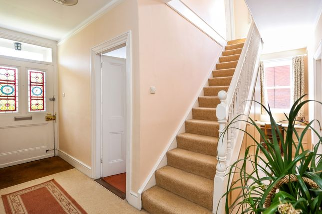 Thumbnail Detached house to rent in Queens Road, Alton