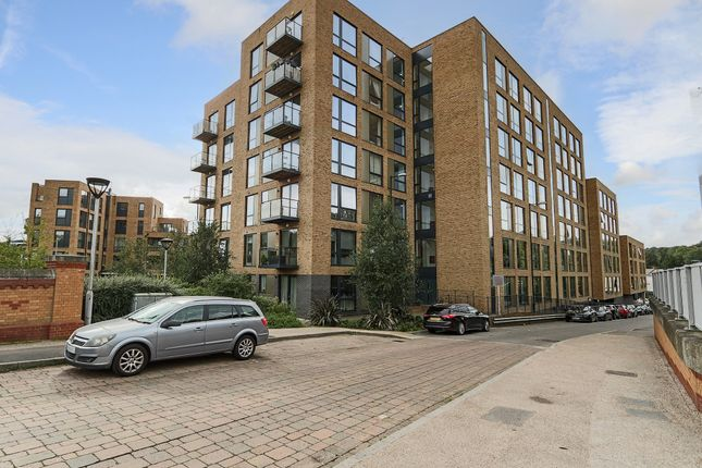 1 bed flat for sale in Leaden Hill, Coulsdon CR5