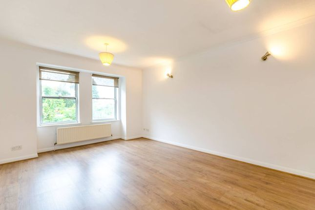 Thumbnail Flat to rent in Grove Road, Surbiton