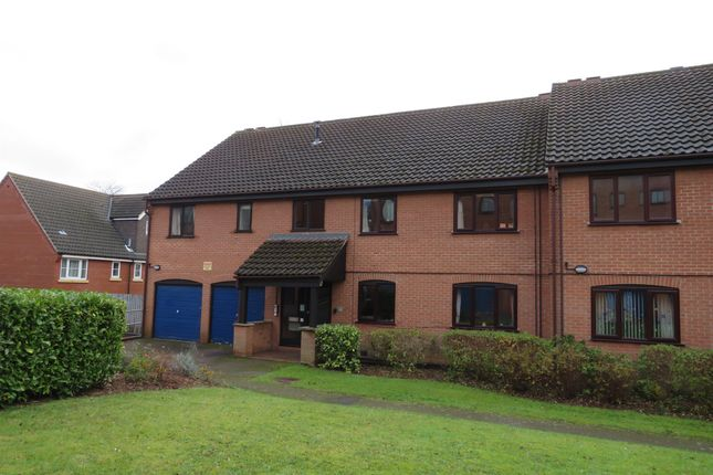 Thumbnail Flat for sale in Roseville Close, Norwich