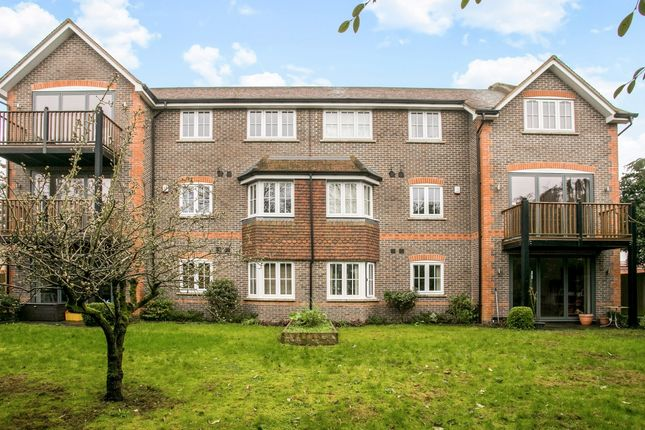 Thumbnail Flat to rent in St. Johns Road, Newbury
