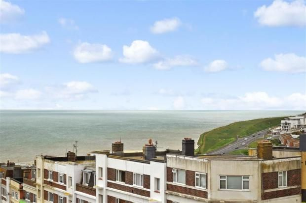 Thumbnail Flat to rent in Longridge Avenue, Saltdean, Brighton