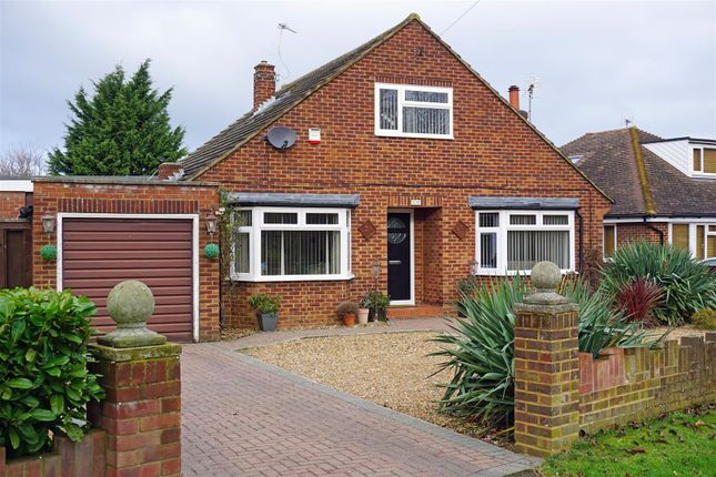 Thumbnail Detached house for sale in Grove Road, Hitchin