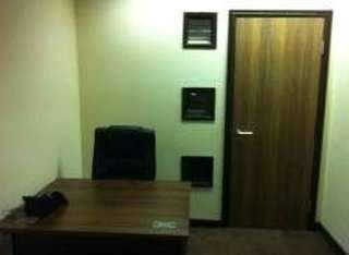 Serviced office to let in Lanark Square, London