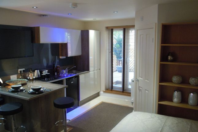 Thumbnail Studio to rent in West Parade, Lincoln