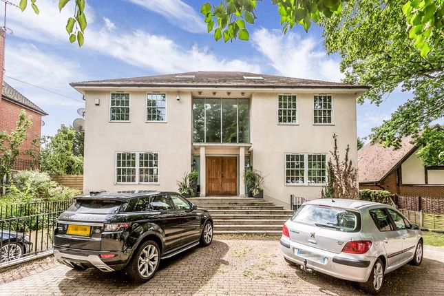Thumbnail 5 bedroom detached house to rent in Manor Road, Chigwell