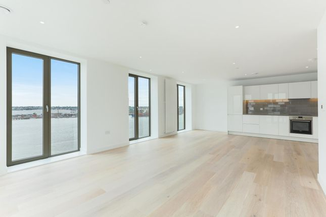 Thumbnail Flat to rent in Kelson House, Royal Wharf