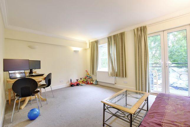 Thumbnail Flat to rent in Centennial Court, High Street, Rickmansworth