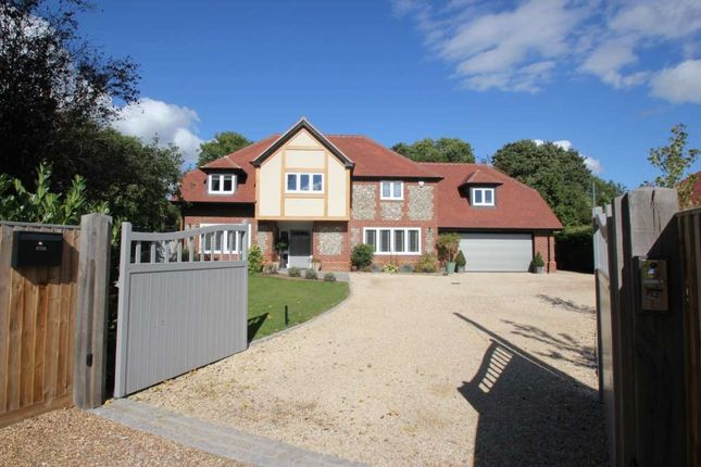 Thumbnail Detached house for sale in Chiltern Road, Peppard Common, Henley-On-Thames
