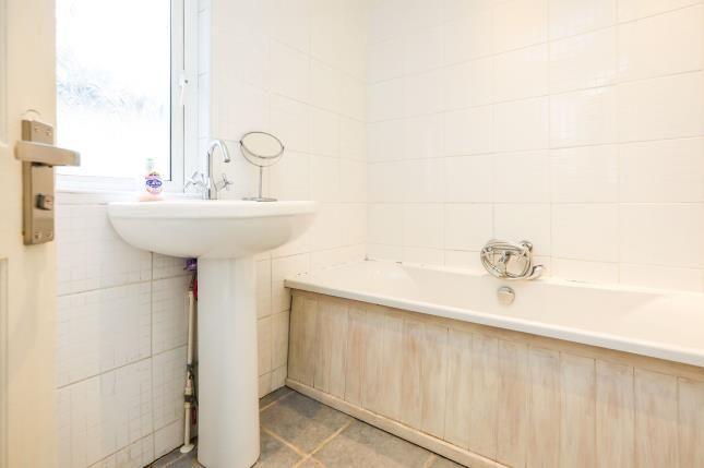 Bathroom of Murchison Road, London E10