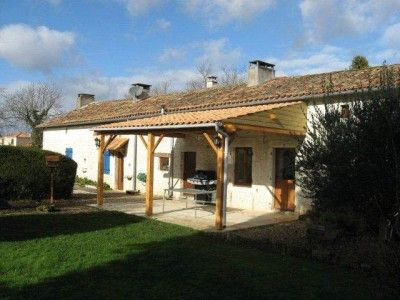 4 bed property for sale in Secteur-Ruffec, Charente, France