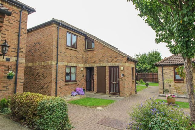 Thumbnail Flat for sale in Southern Lodge, Harlow