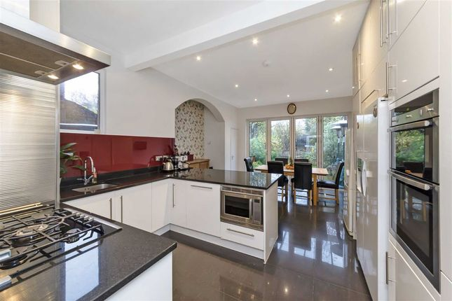 Thumbnail Property to rent in Chillerton Road, London