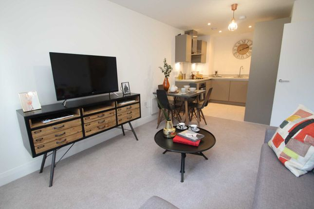 Thumbnail Flat for sale in K D, Cotterells, Hemel Hempstead
