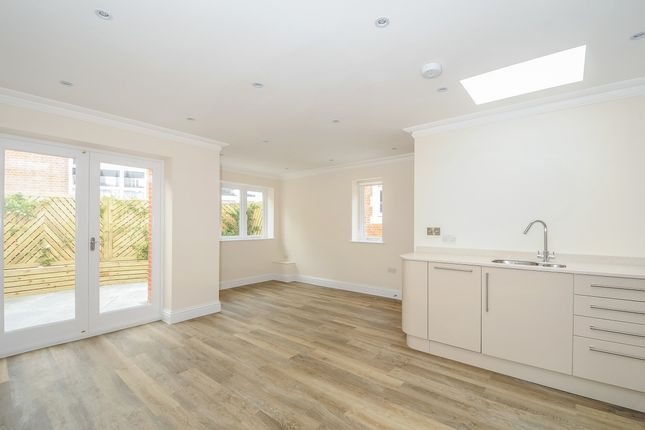 Thumbnail Mews house to rent in Cobden Road, Sevenoaks