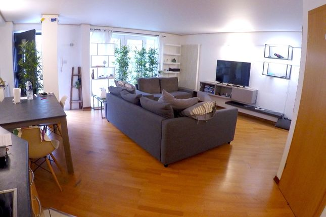 Thumbnail End terrace house to rent in Essex Road, Islington, London