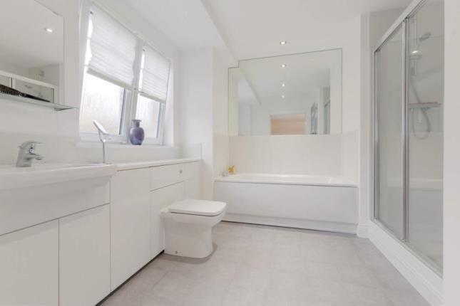 Bathroom of Scobbie Place, Redding, Falkirk FK2