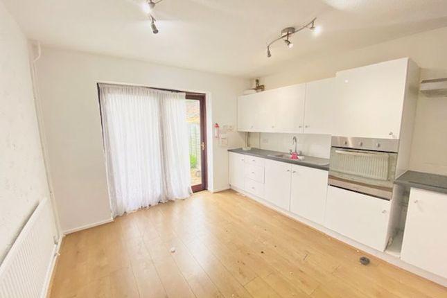 Thumbnail Flat to rent in Wyldfield Gardens, Edmonton, London
