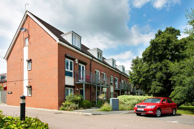Thumbnail Room to rent in Leander Way, Oxford
