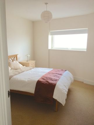Thumbnail Flat to rent in Meridian Tower, Swansea