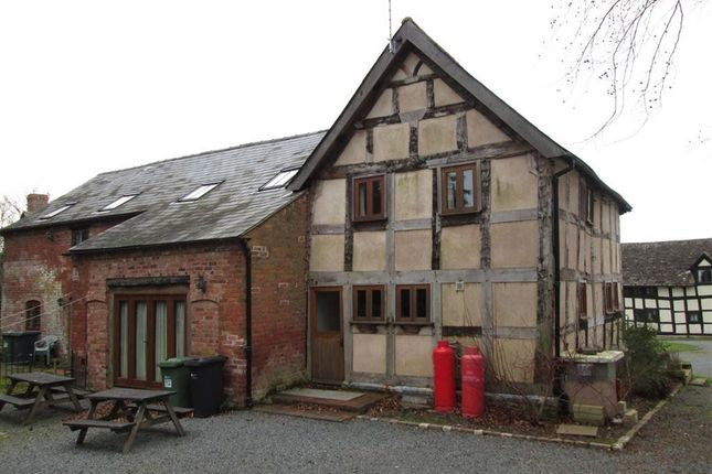 Thumbnail Barn conversion to rent in Luntley Court, Pembridge, Hereford