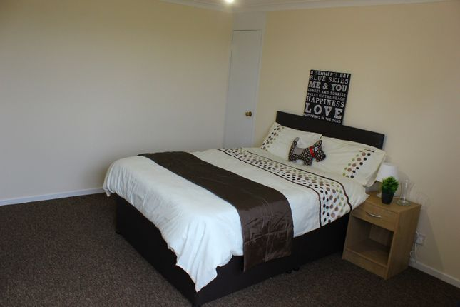 Thumbnail Shared accommodation to rent in Room 2 Chester Road, Warrington