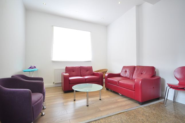 Thumbnail Flat to rent in High Street, Tunbridge Wells
