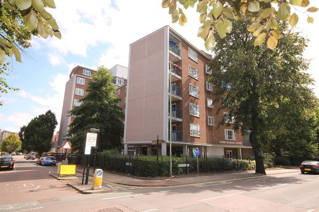 Thumbnail Flat for sale in Ashburnham Court, Ashburnham Road, Bedford