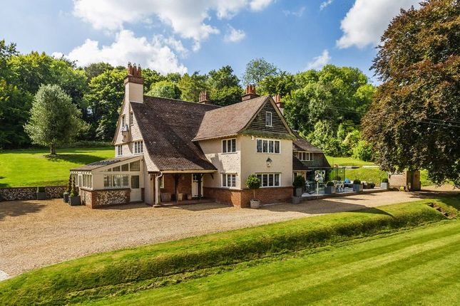 Thumbnail Detached house for sale in Butlers Dene Road, Woldingham, Caterham