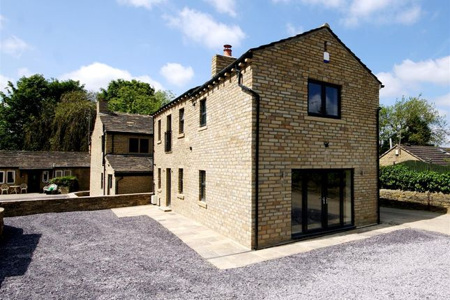 Thumbnail Barn conversion for sale in Bowling Alley Terrace, Rastrick, Brighouse
