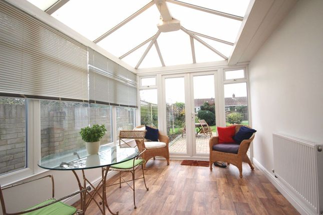 Bungalow to rent in Manor Avenue, Deal