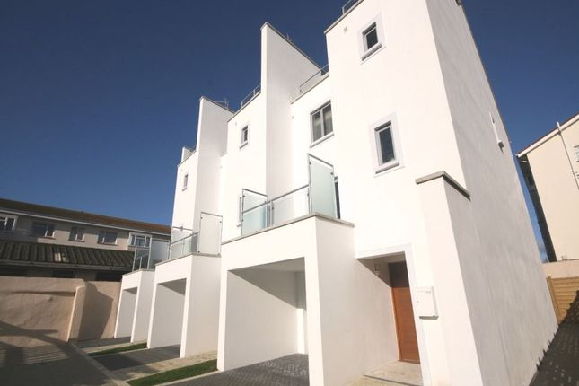 Thumbnail Town house to rent in 5 Sunshine Gardens, Marett Road, St Helier