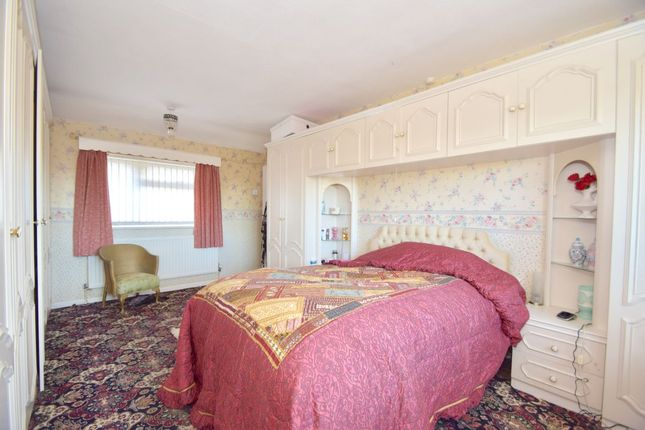 Thumbnail Detached house for sale in Laugherne Road, Worcester