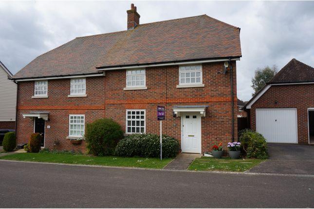 Thumbnail Semi-detached house for sale in Freshlands, Billingshurst