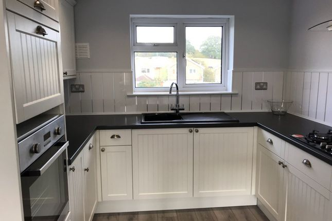 2 bed flat to rent in Barrymore Walk, Rayleigh