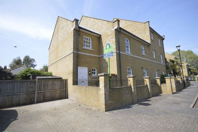 Thumbnail Flat for sale in Coventry Gardens, Deal